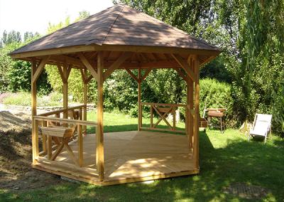 Charretterie kiosque en bois