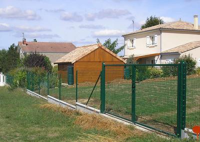 Clôture et portail couleur vert