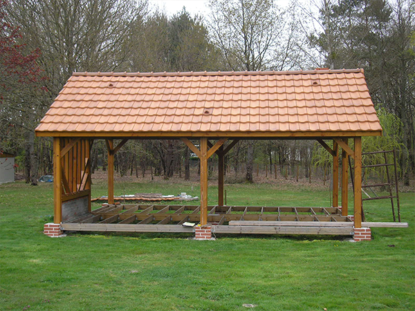 R alisations auvents et charreteries sodibat vienne 86 for Construction en bois sur mesure