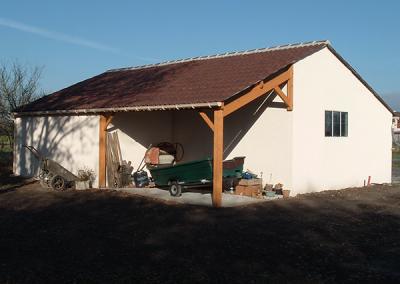 Garage avec abri extérieur en béton préfabriqué