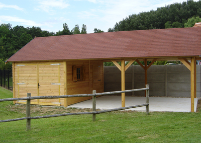 Garage bois simple avec auvent