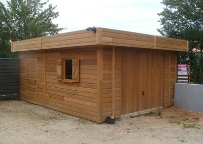 Garage en bois avec toit plat
