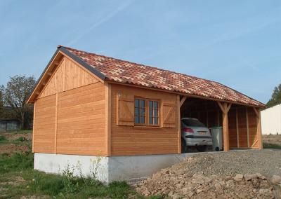 Garage double avec abri en bois