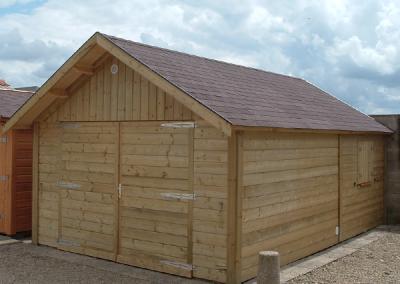 Garage simple en bois à 2 pentes