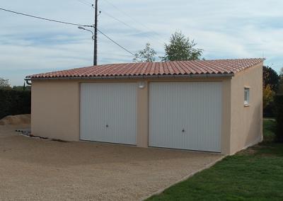 Double garage en béton à 2 pentes