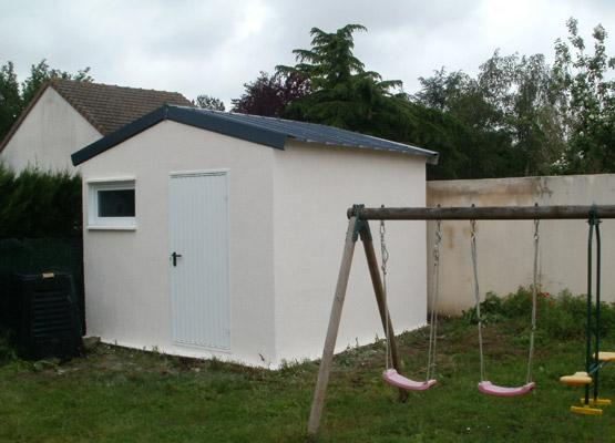 construction d un abri de jardin en b ton pr s de chinon 37. Black Bedroom Furniture Sets. Home Design Ideas